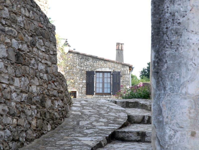 Casa típica en Mirmande en Francia foto de archivo