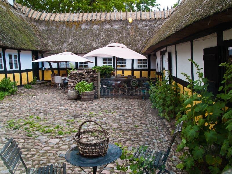 Casa thached país danés clásico tradicional imagen de archivo libre de regalías