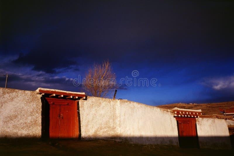 Casa tibetana imagens de stock royalty free