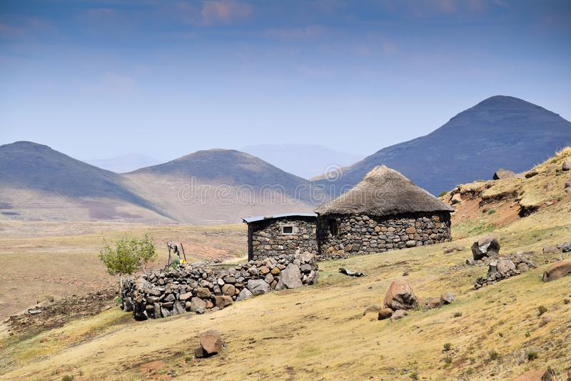 Casa tipica nel Lesotho fotografie stock