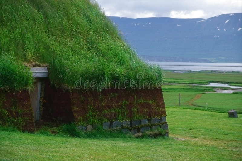 Casa tradicional da turfa, Islândia imagem de stock royalty free