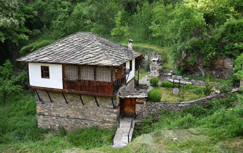 Casa tradicional de Bulgária foto de stock