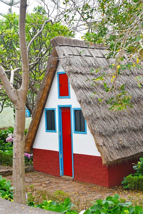 Casa tradicional de la isla de Madeira imagenes de archivo