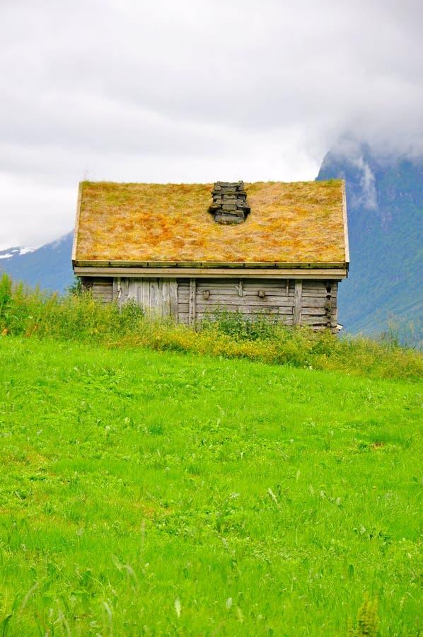 Casa tradicional del tejado de la hierba en Torshavn, Streymoy, Faroe Island fotografía de archivo libre de regalías
