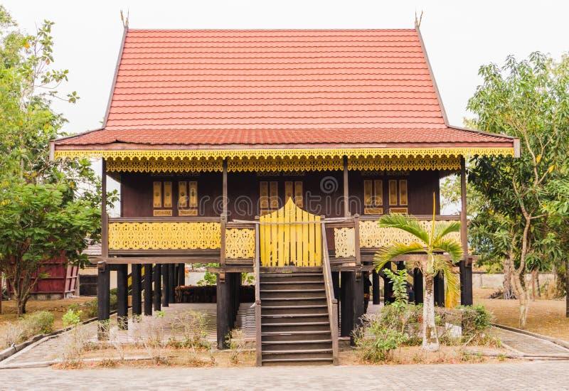 Casa tradicional Jambi na indonésia foto de stock