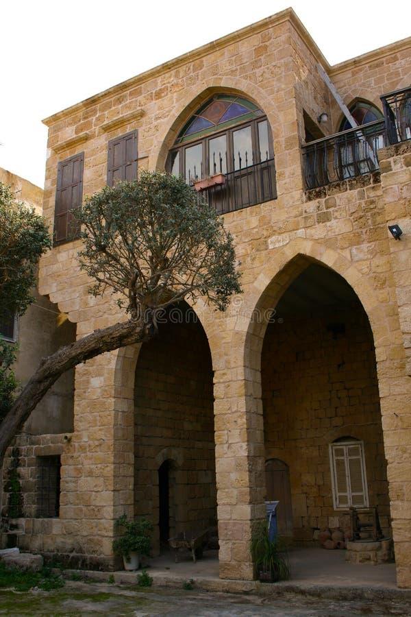 Casa tradicional libanesa em Batroun, Líbano fotografia de stock