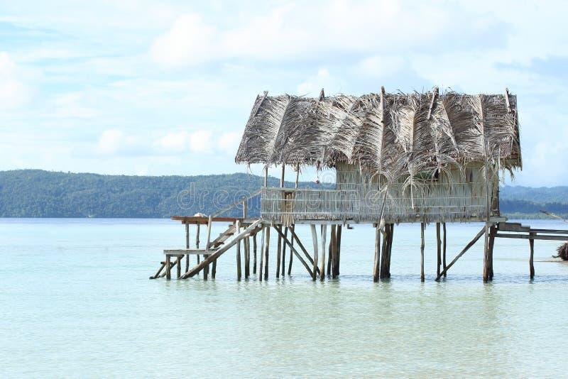 Download Casa Tradicional No Recurso Foto de Stock - Imagem de praia, indonésia: 65576528