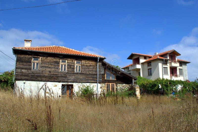 casa tradizionale e nuova rezovo bulgaria fotografia
