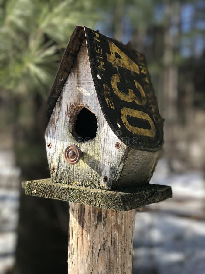 Casa velha do pássaro imagem de stock royalty free