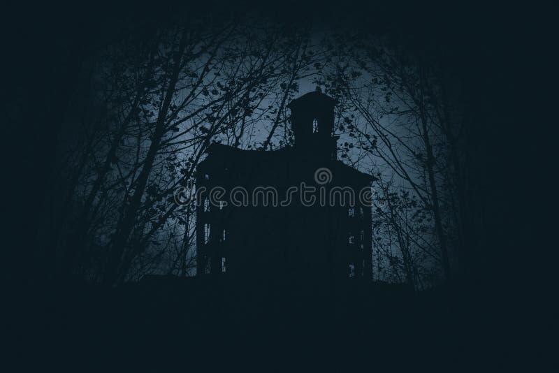 Casa velha e abandonada assustador fotos de stock