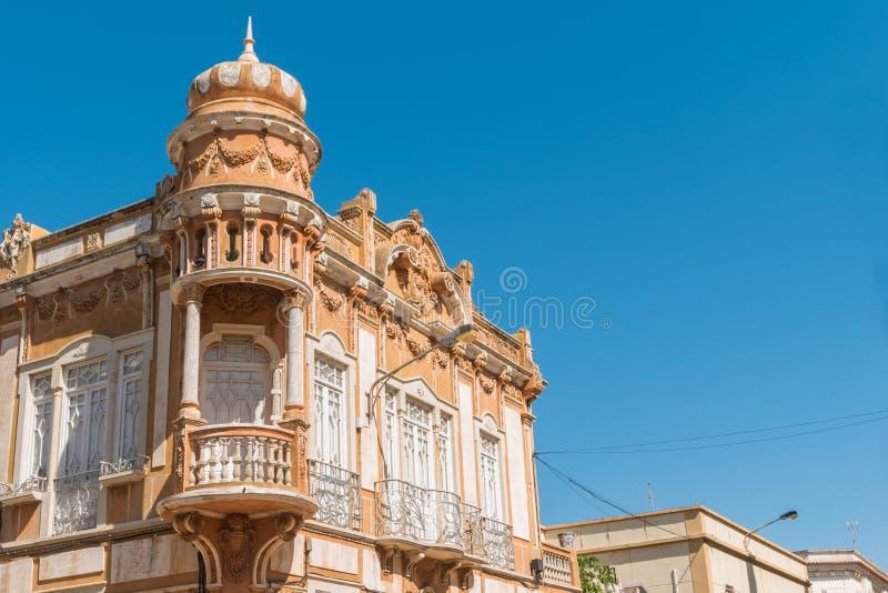 Casa velha em Faro, o Algarve, Portugal St da arquitetura de Neobaroque fotografia de stock