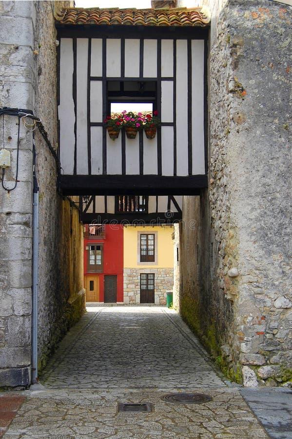 Casa velha em Llanes, as Astúrias foto de stock