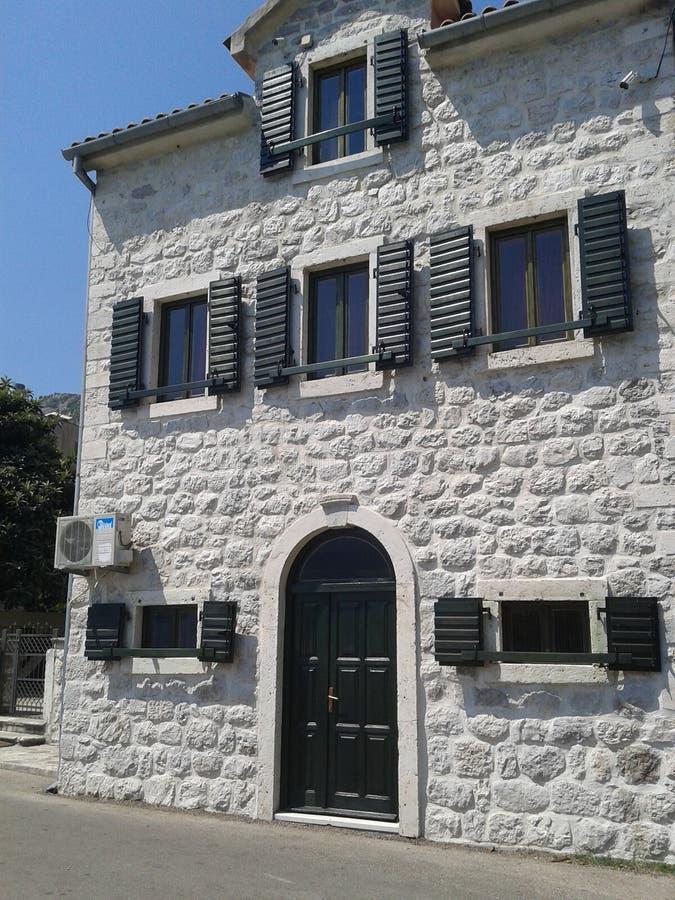 Casa velha no mar fotografia de stock
