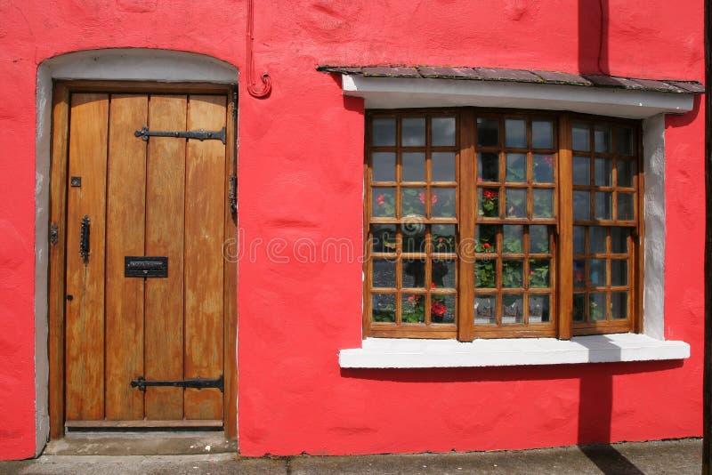 Casa vermelha em Galway imagem de stock royalty free