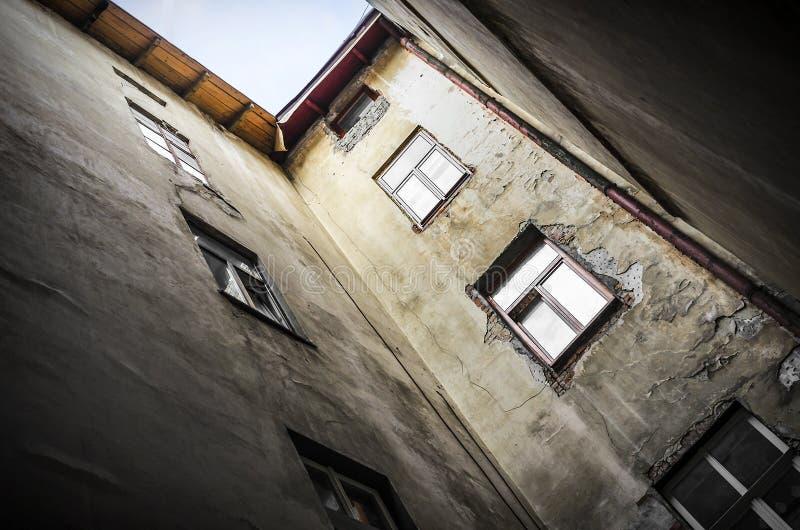 Download Casa vieja foto de archivo. Imagen de exterior, casa - 44851044