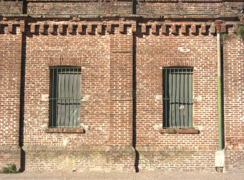 Download Casa vieja dos Windows imagen de archivo. Imagen de viejo - 7279977