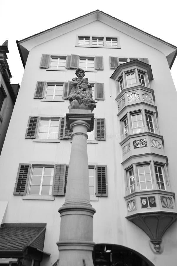 Casa vieja en el centro de Zurich fotos de archivo libres de regalías