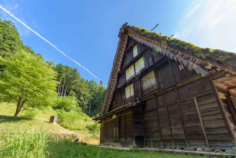 Casa vieja en el pueblo popular de Hida en Takayama, Japón foto de archivo libre de regalías
