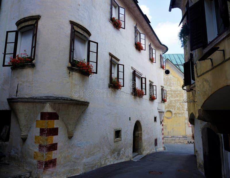 Casa vieja en la ciudad eslovena Skofja Loka fotos de archivo libres de regalías