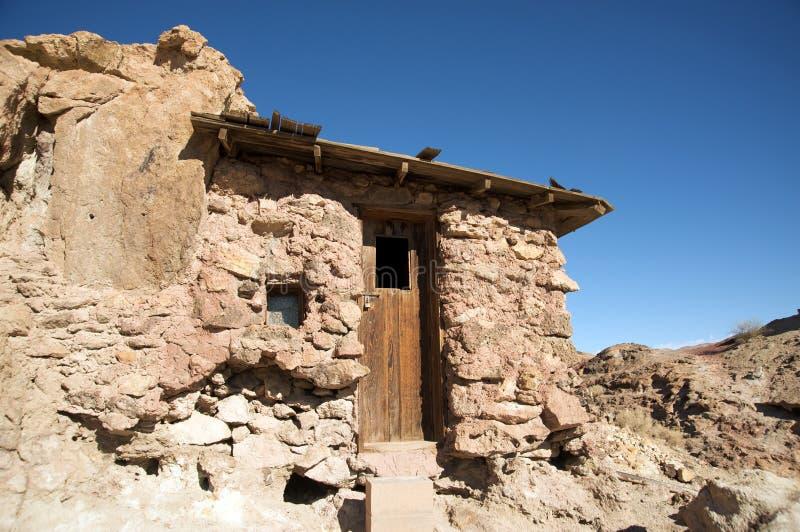Casa vieja en pueblo fantasma del calicó imagen de archivo