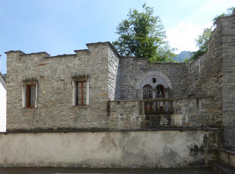 Casa vieja en Santa Maria Vigezzo, Italia foto de archivo libre de regalías
