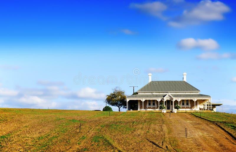 Casa vitoriano grande do estilo no monte na propriedade da adega de Wolf Blass fotografia de stock