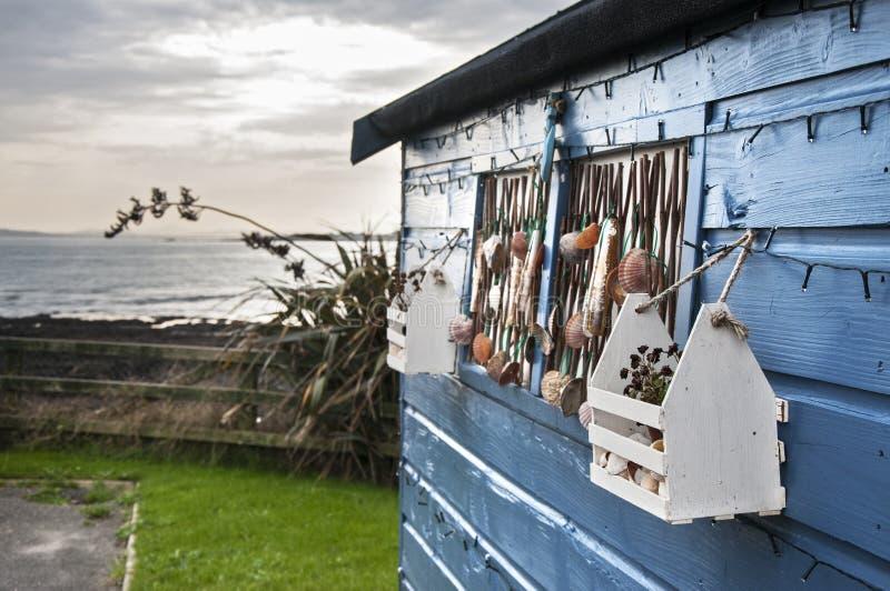 Casa y mar fotografía de archivo libre de regalías