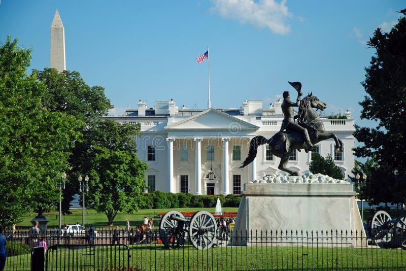 Casa y monumento blancos de Washington fotografía de archivo libre de regalías