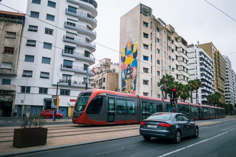 Casablanca, Marokko - September 3, 2017: straatauto die overgaan stock afbeeldingen