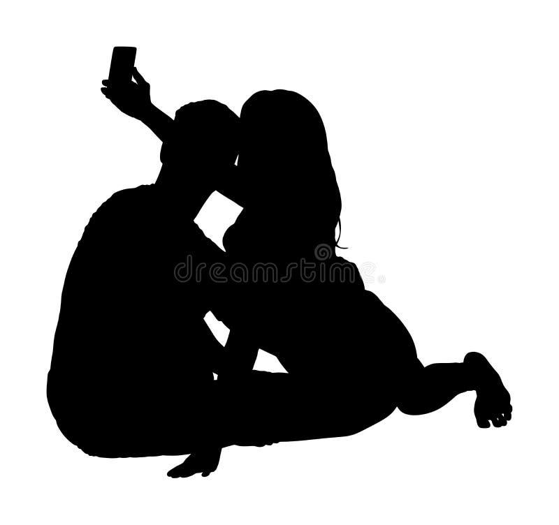 Casal feliz apaixonado toma a ilustração selfie vetorial da silhueta isolada em fundo branco Namorado e namorada se divertem ilustração do vetor
