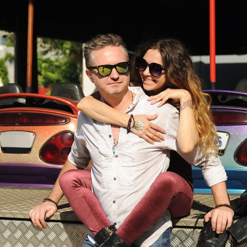 Casal romântico apaixonado ao ar livre fotos de stock royalty free