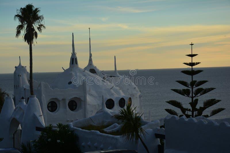 Casapueblo i Punta Ballena i Uruguay royaltyfria bilder