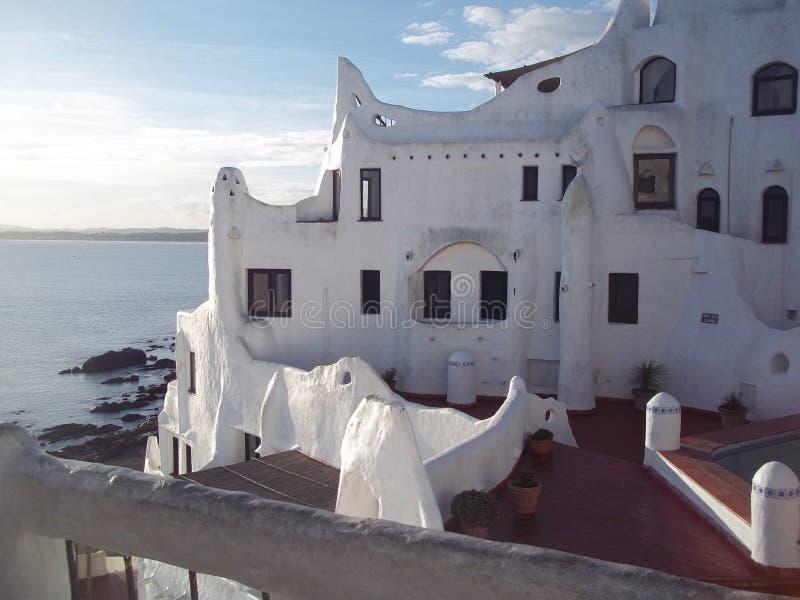 Casapueblo in Punta Ballena, Uruguay wordt gevestigd dat stock foto