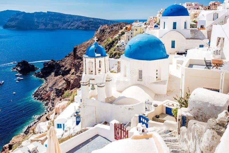 Casas azul-brancas tradicionais imagem de stock