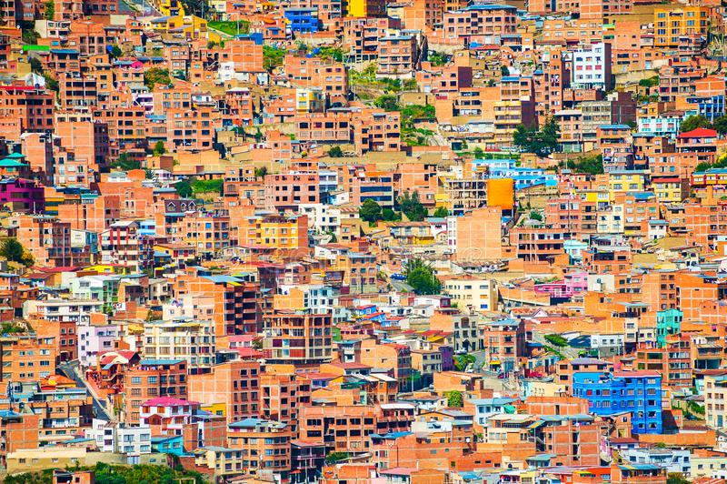 Casas bolivianas tradicionais na cidade de La Paz, Bolívia fotografia de stock