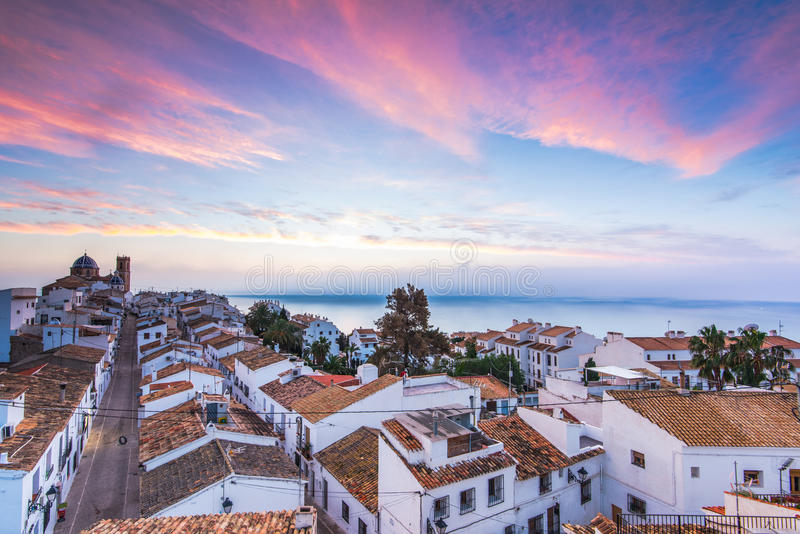 Casas brancas de Altea no por do sol em Costa Blanca, Espanha fotografia de stock royalty free
