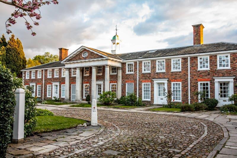 Casas británicas tradicionales en Richmond, cerca de Londres, Reino Unido imagenes de archivo