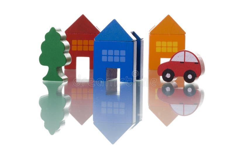 Casas, carro e árvore imagens de stock royalty free