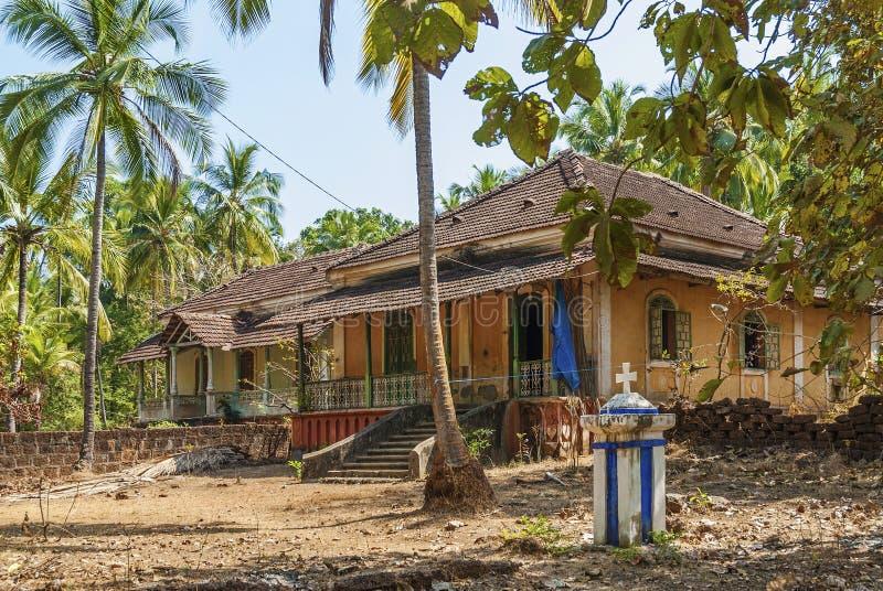 Casas coloniais velhas no goa india fotografia de stock royalty free