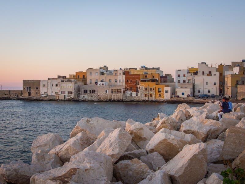 Casas coloridas beira-mar de Trapani fotografia de stock royalty free