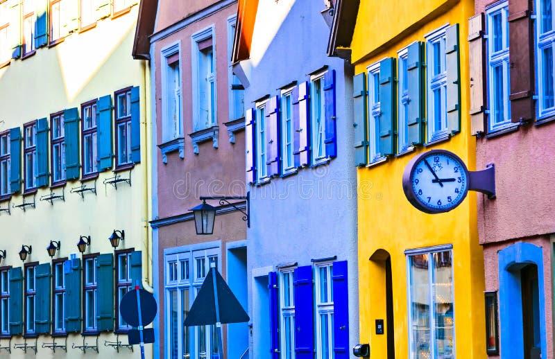 Casas coloridas da cidade velha Dinkelsbuhl em Baviera, Alemanha foto de stock