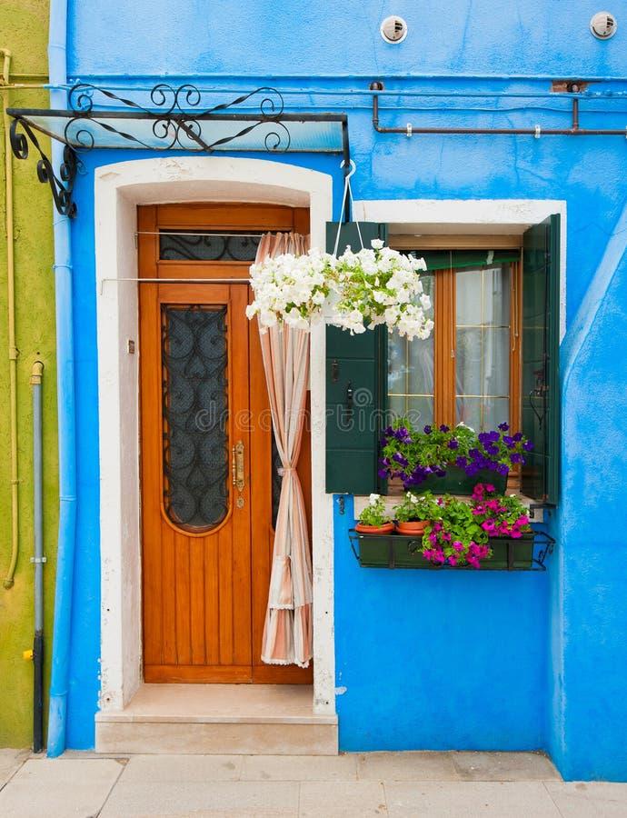 Casas coloridas de Burano, Veneza, Italy fotos de stock
