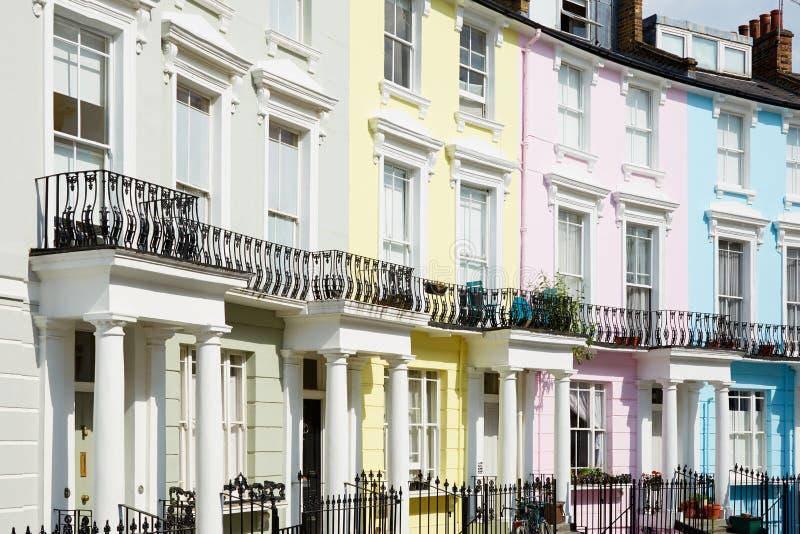 Casas coloridas de Londres no monte da prímula fotografia de stock royalty free