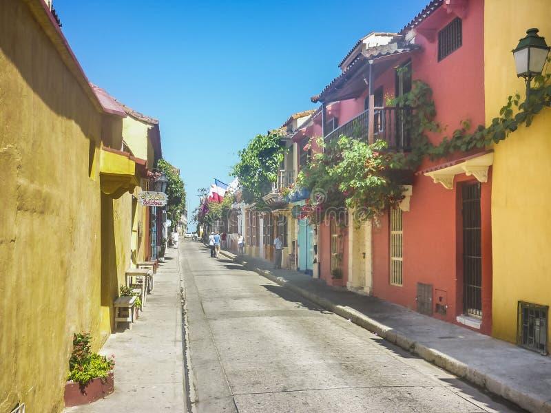 Casas coloridas del estilo colonial en Cartagena de Indias Colombia imagen de archivo libre de regalías