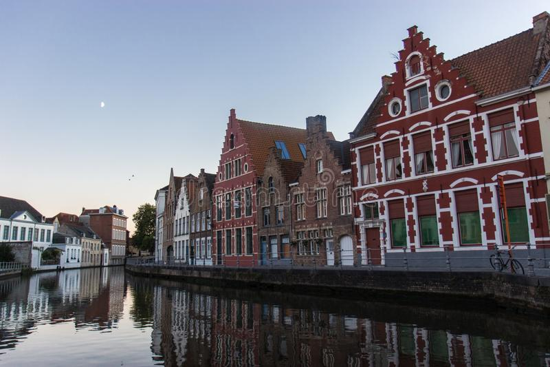 Casas coloridas em Bruges fotografia de stock royalty free