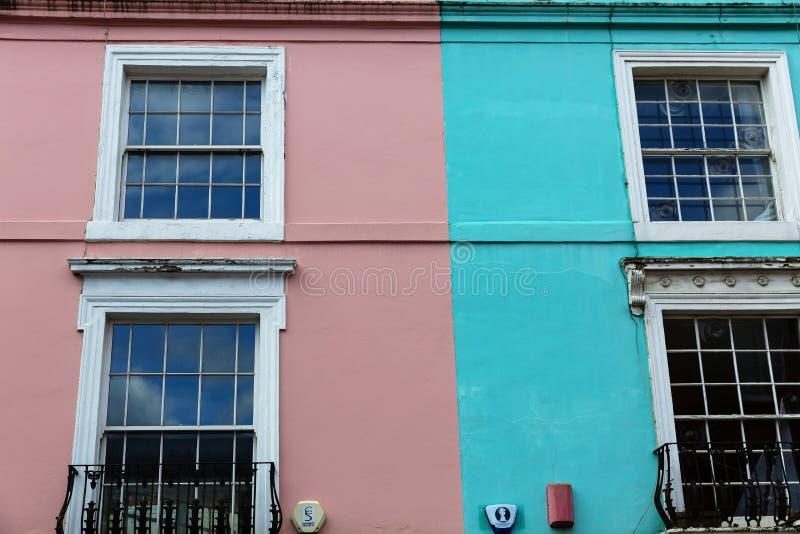 Casas coloridas em Notting Hill Londres imagens de stock royalty free