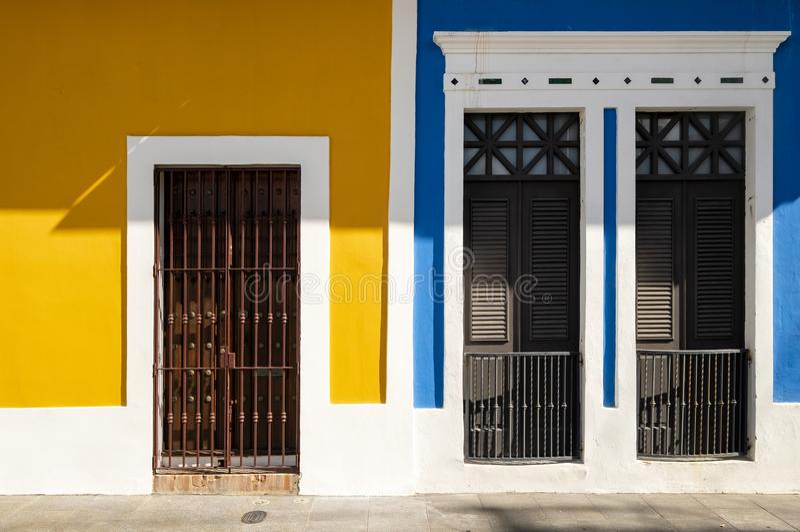 Casas coloridas em Puerto Rico foto de stock royalty free