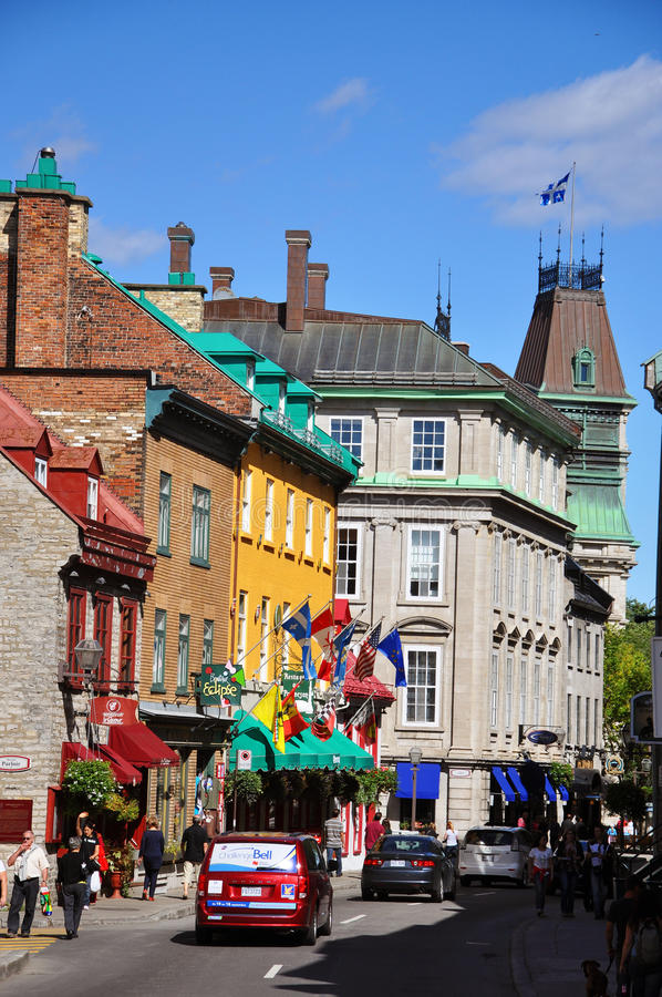 Casas coloridas na rua St Louis, Quebec City imagens de stock