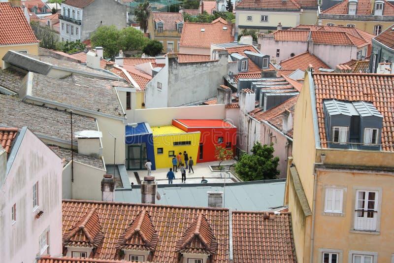 Casas coloridas nos telhados fotos de stock royalty free