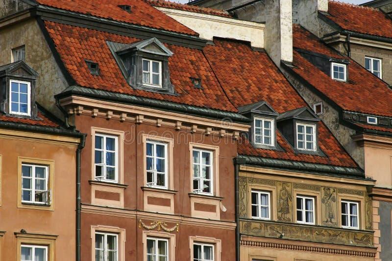 Casas con el tejado rojo imágenes de archivo libres de regalías